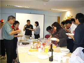 Kowloon-Singapore Toastmasters Club Christmas Party which was held on 24 Dec 2005